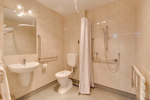 One Bedroom Acc Shower
