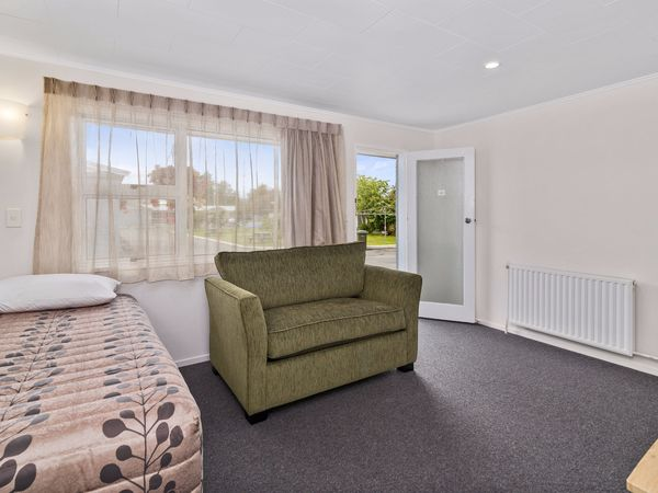 Family One Bedroom Apartment  - Non Refundable Rate - Bfst Incl - 2P