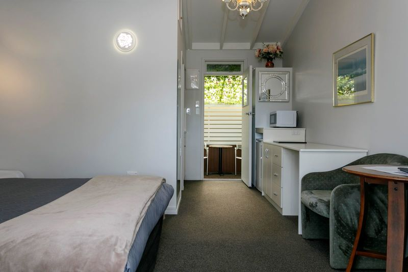 Queen Room with Thermal Pool Ground Floor